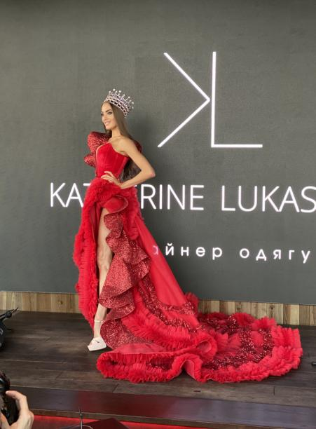 Margarita Pasha showed a luxurious dress in which she will represent Ukraine at Miss World