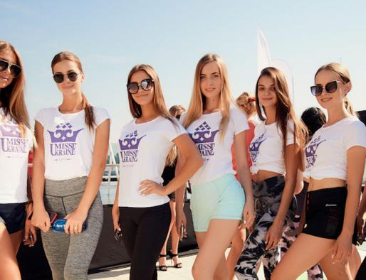 Sport morning with Miss Ukraine: healthy edition on the roof of the TSUM